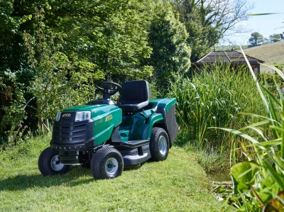 GT 30H 84cm Lawn Tractor
